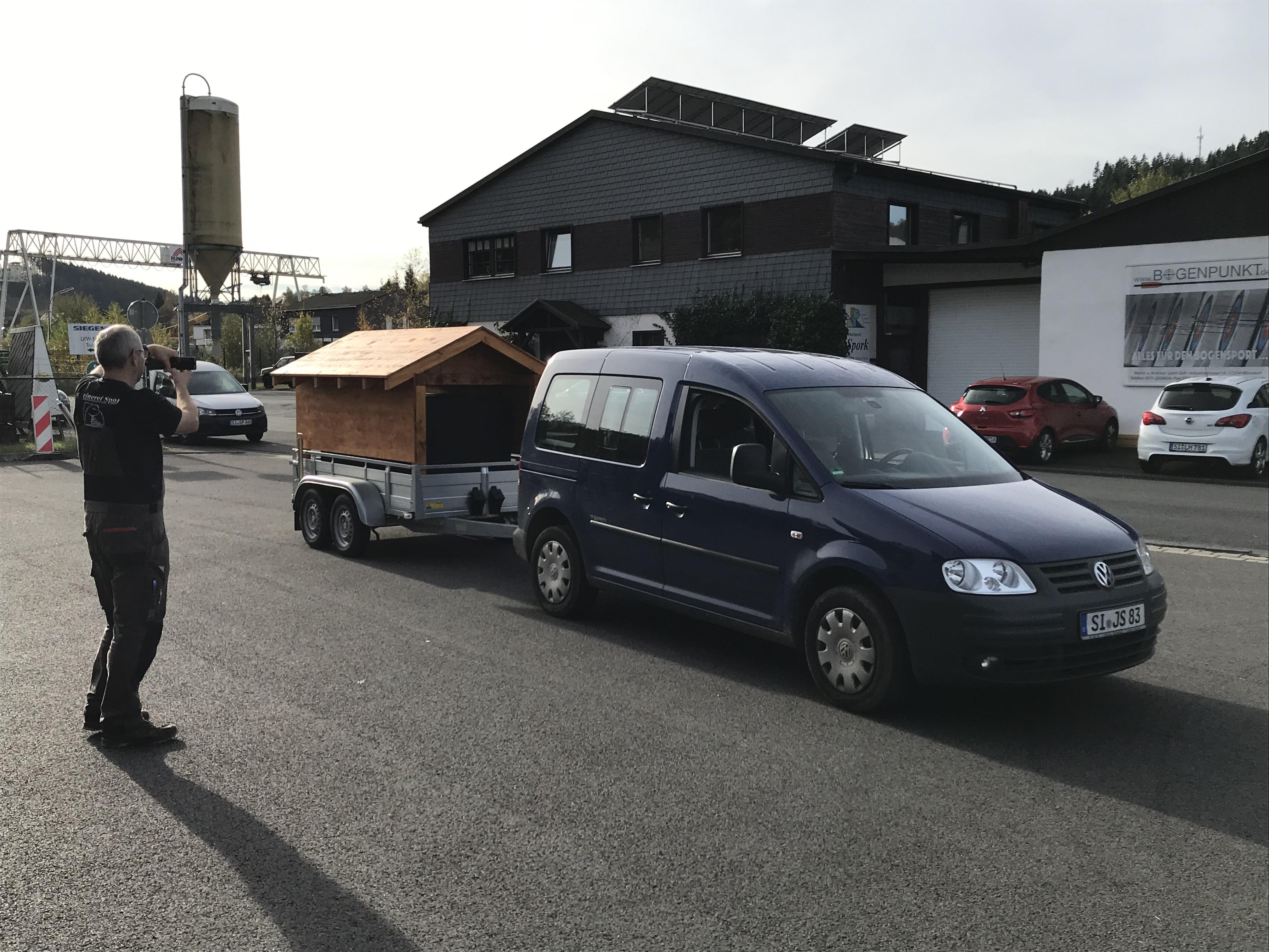 MB: Fahrzeug + MB + Anhänger_5